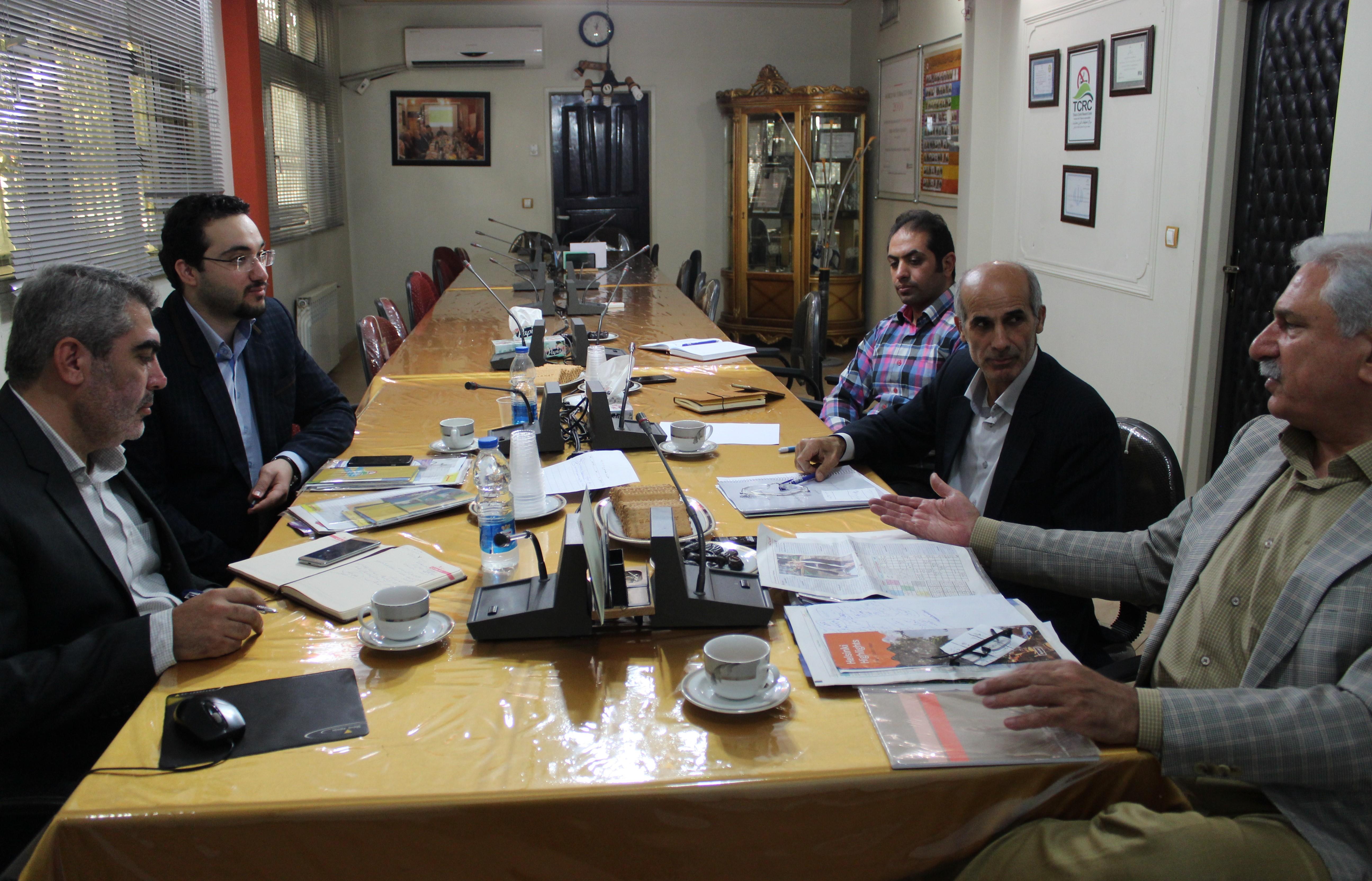 نشست مشترک «جمعیت مبارزه با استعمال دخانیات ایران» و «جهاد دانشگاهی استان قزوین»